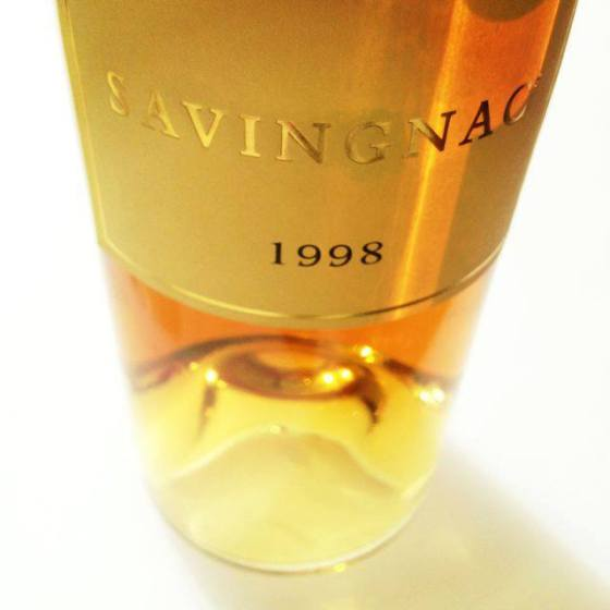 marmalade and molasses, cinnamon and clove, coffee and chocolate, hazelnut and nutmeg, old rose and raisin, vanilla and sandalwood all in a whiff. That's how Jorgensen's describe their Savignac - and I agree.